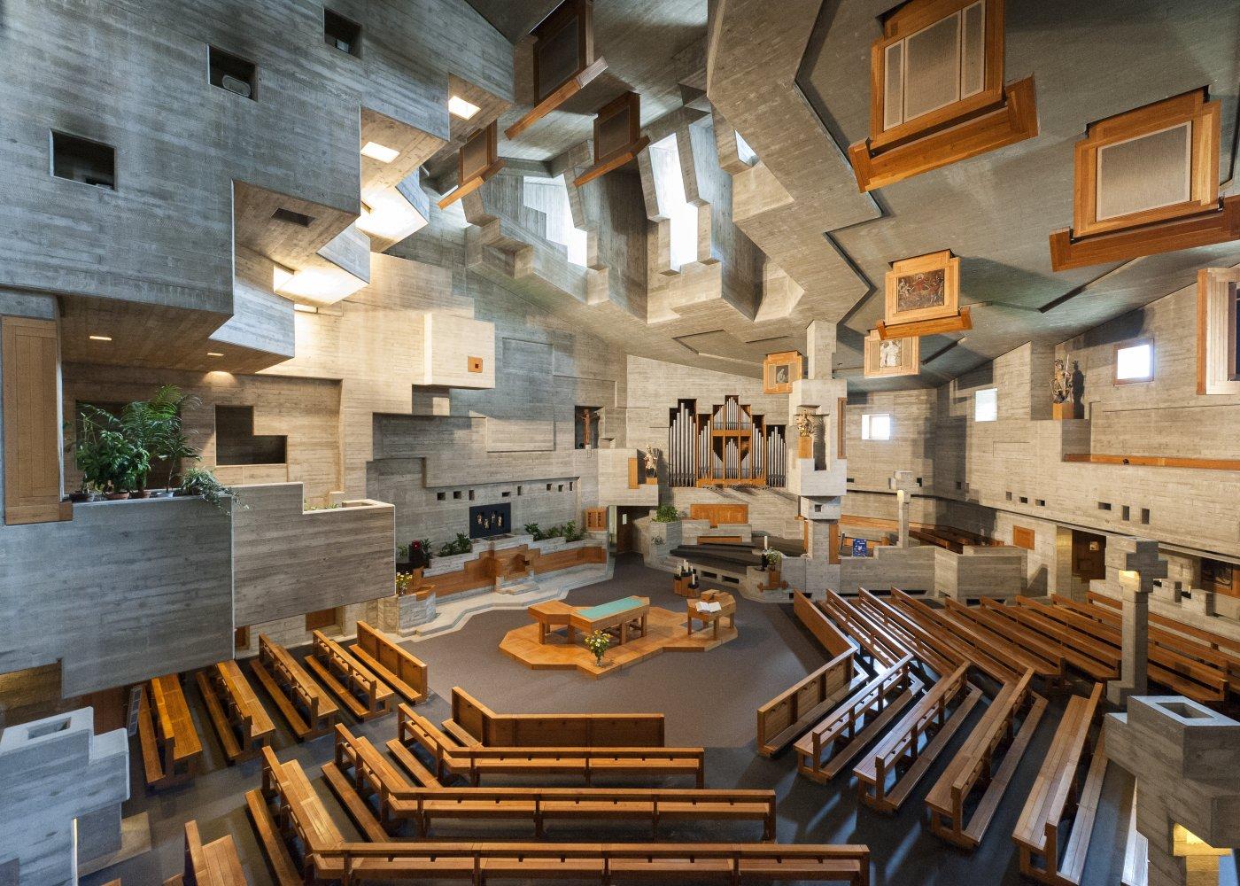 Visitez l'extraordinaire église d'Hérémence