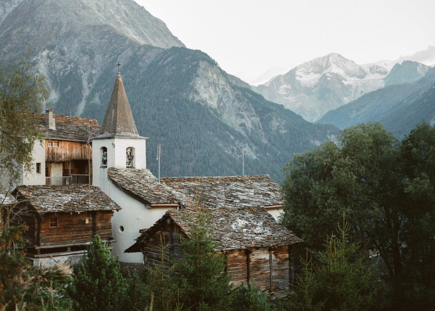 3. Les Rocs, les villages qui surplombent la vallée