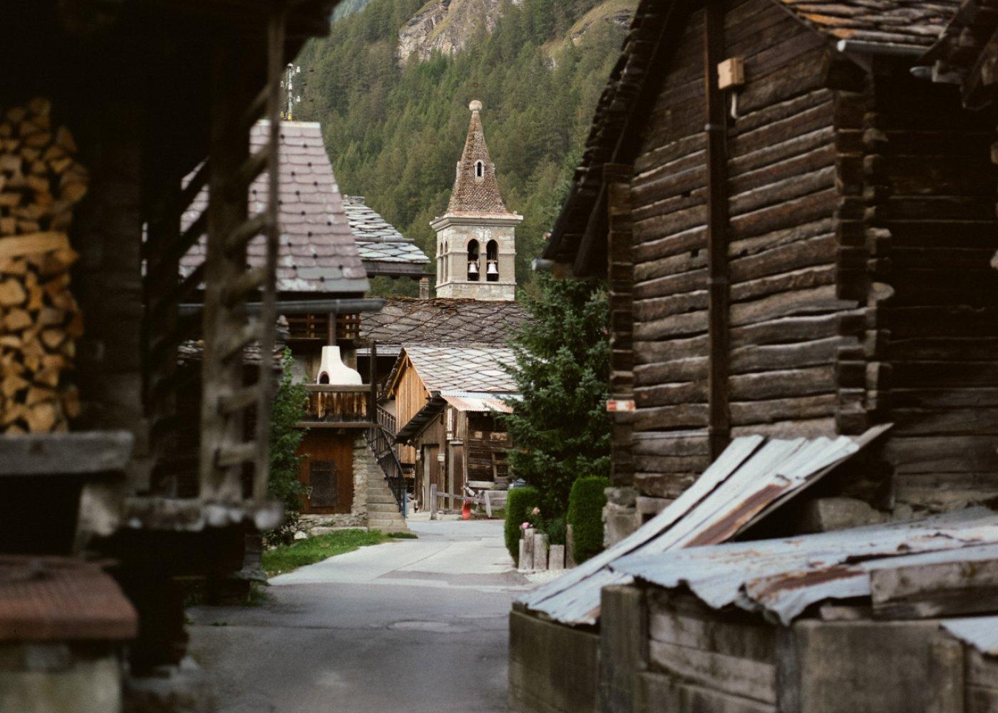 2. Visitez le village des Haudères !