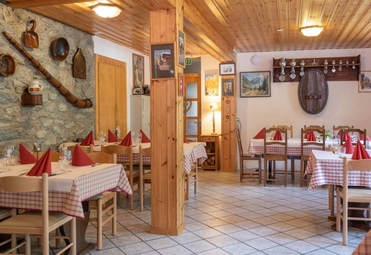 Restaurant et Pizzeria Aiguille de la Tza